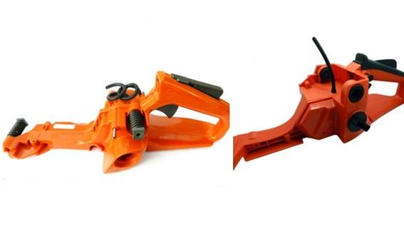 Suspensión sobre la que se sustentan las partes de la motosierra que se cogen con las manos.